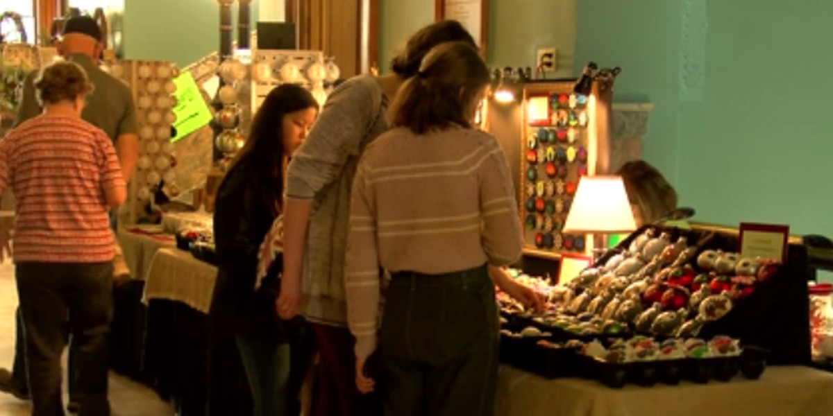 43rd annual Old Courthouse Craft Show held over weekend