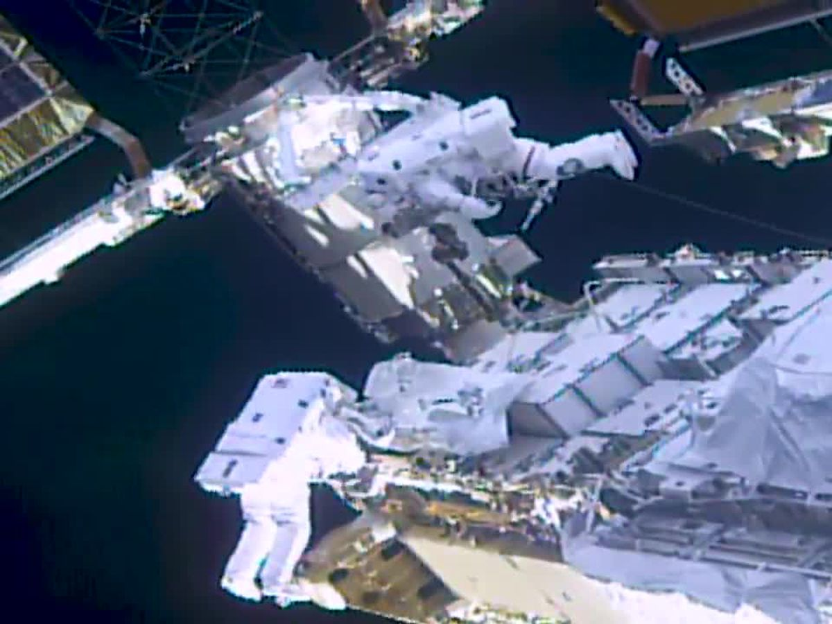 Spacewalkers finish solar panel prep for station power boost
