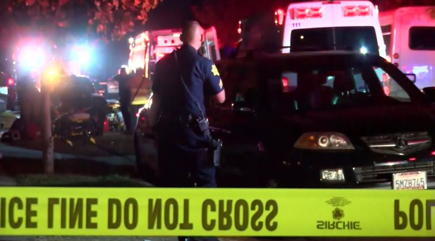 Police search for suspects in California shooting, 4 killed