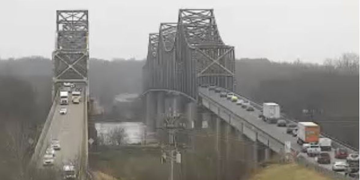 Traffic moving again on southbound Twin Bridge