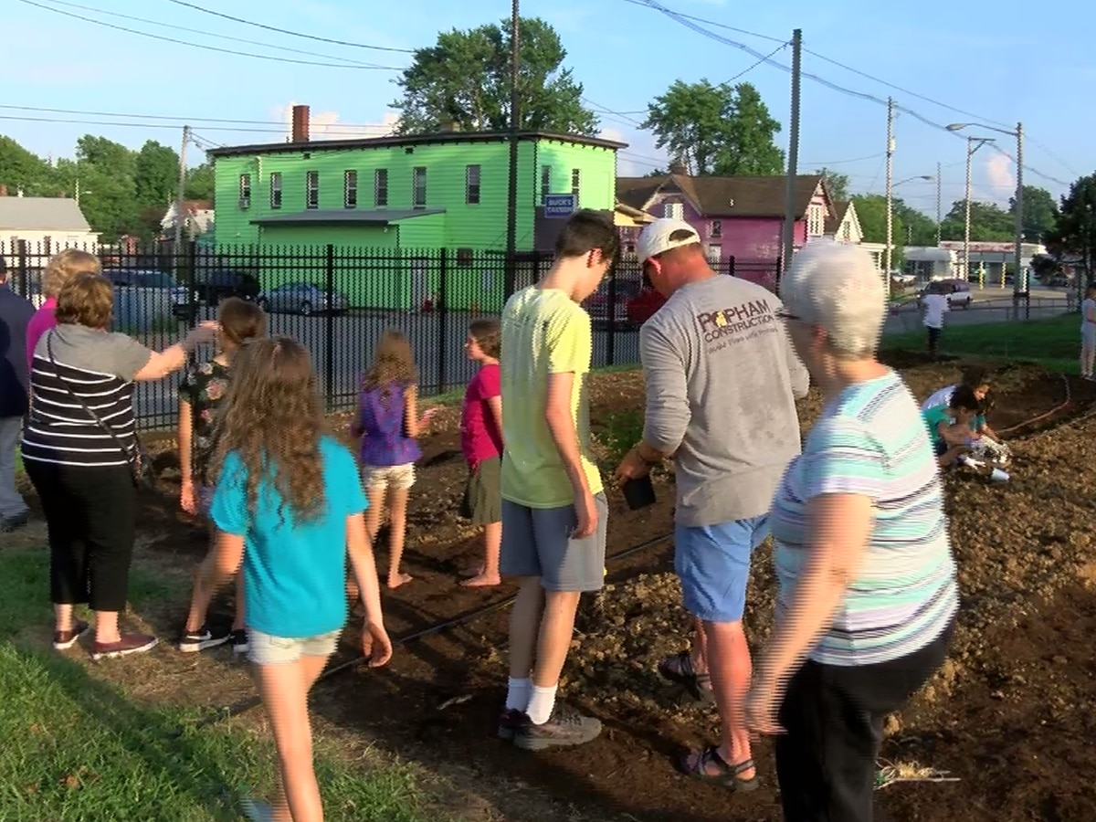 Salvation Army growing fresh veggies in community garden