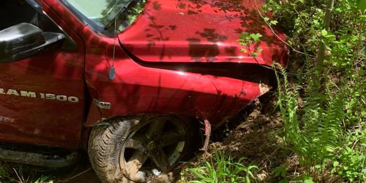 2 people hospitalized following crash in Ohio Co.