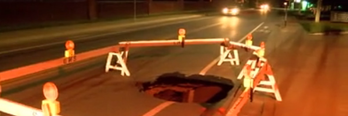 Traffic Alert: Large sinkhole closes section of Oakhill Rd in Evansville