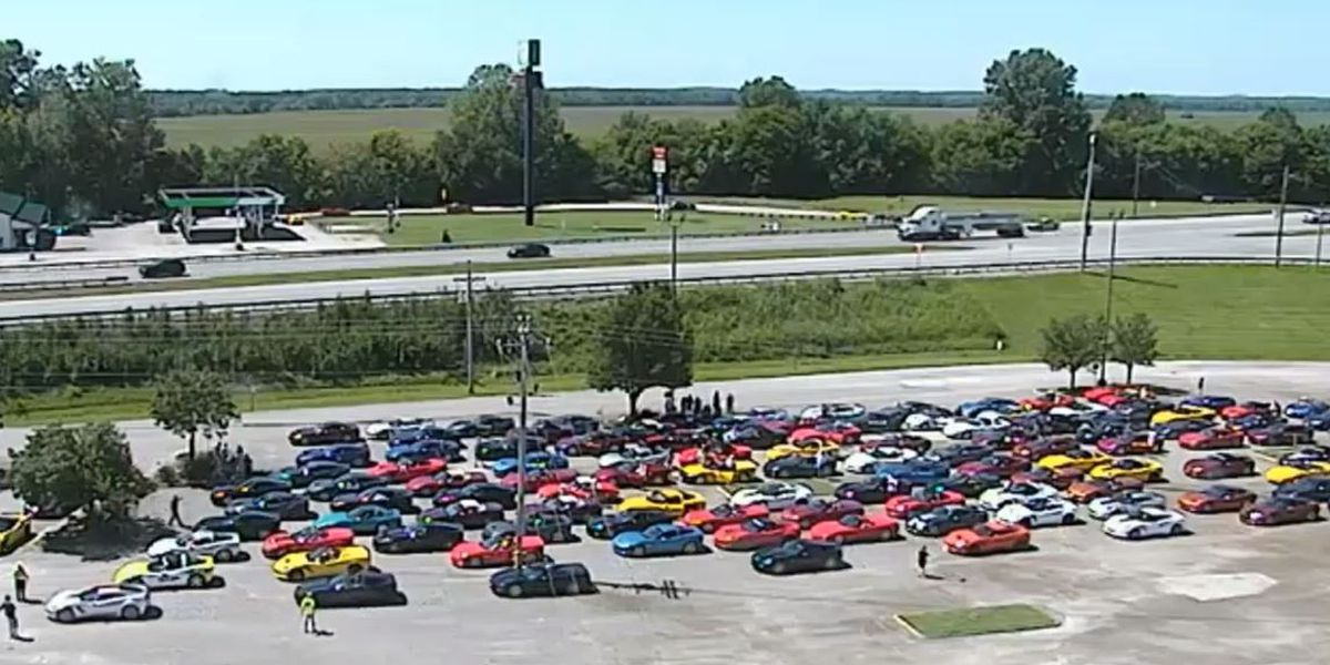 Corvette caravan leaves Ellis Park for Bowling Green