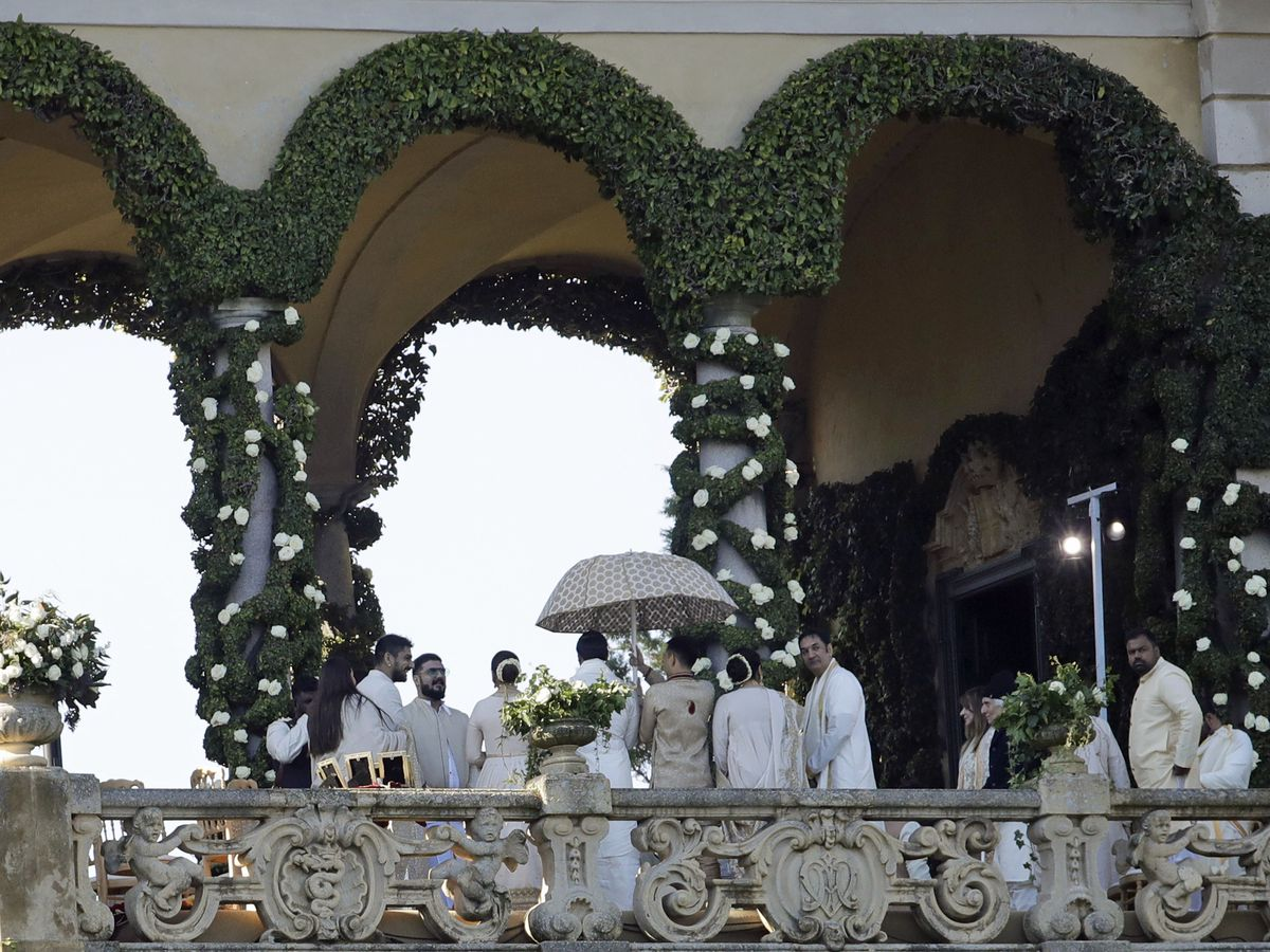 Bollywood meets Hollywood as Indian stars wed in Italy