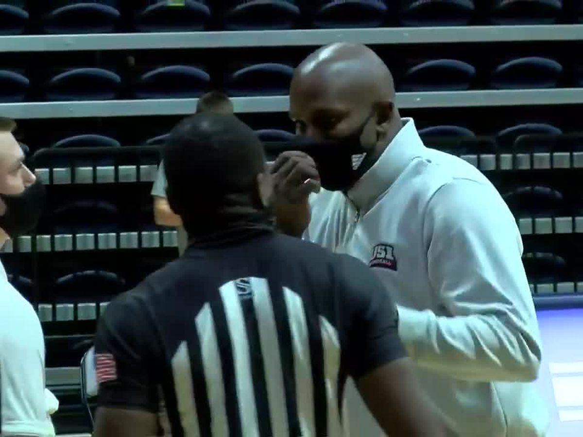 USI men's basketball turns tables on U-Indy with 2nd half rally