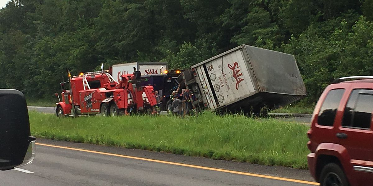 Crash involving semi blocks lanes on I-69 near Madisonville