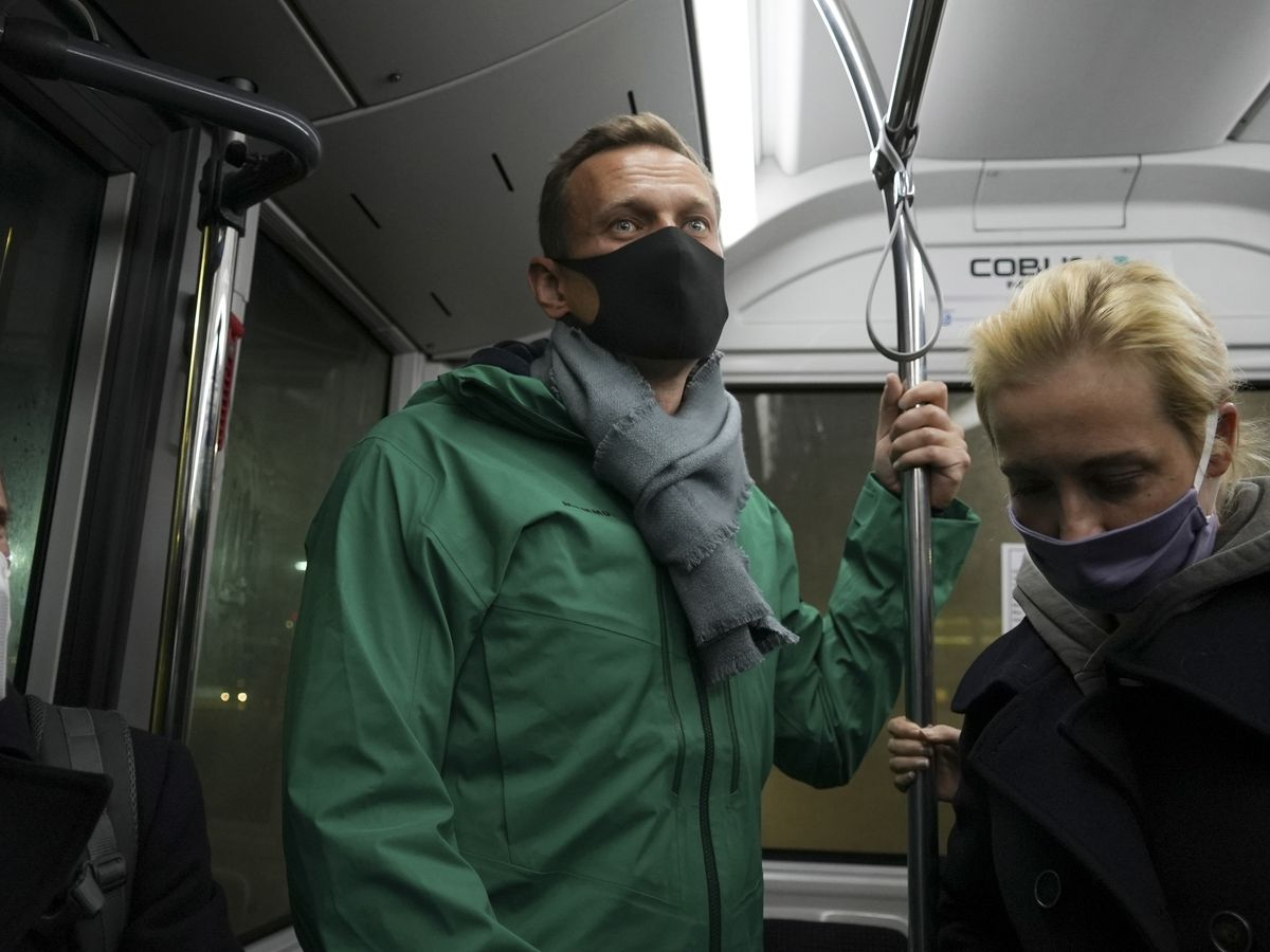 Kremlin foe Navalny jailed for 30 days; allies plan protests