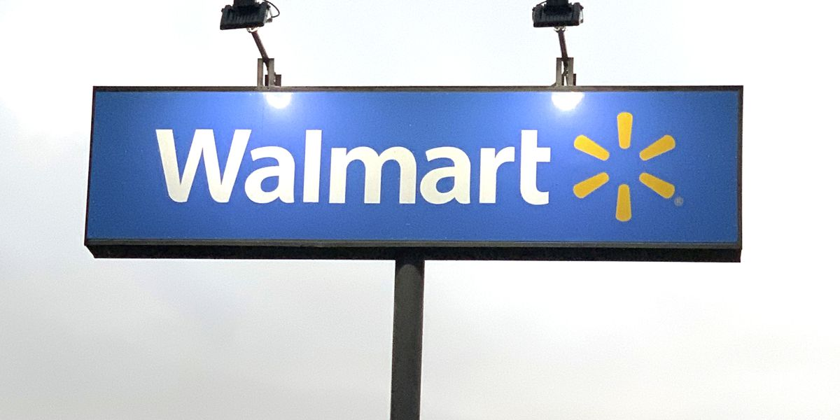 Walmart holds drive-in movie Friday night at Evansville's east side location