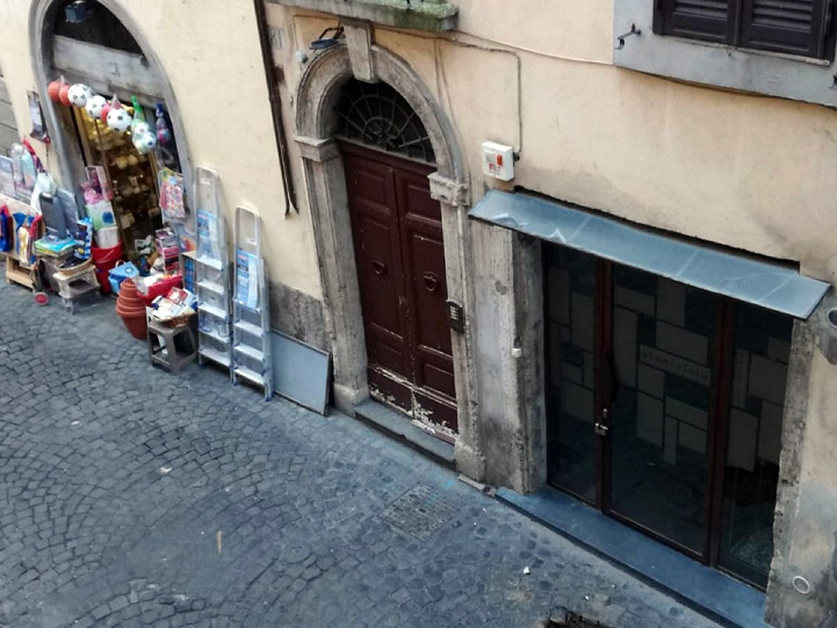 Outrage after plaques honoring Rome's deported Jews stolen