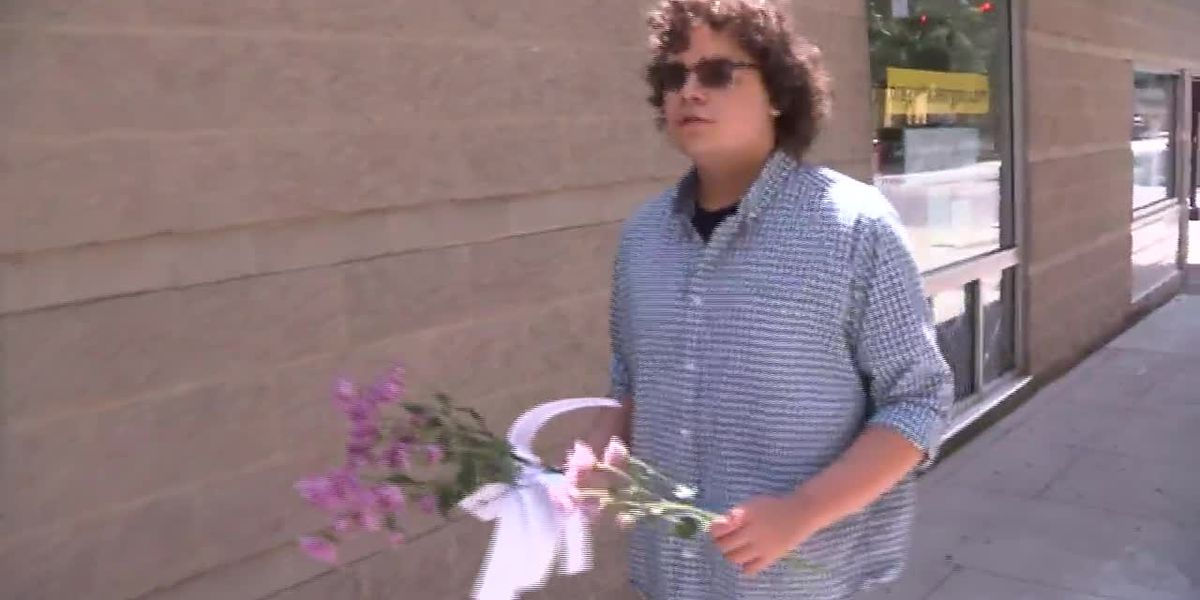 North Carolina teen launches 'Flowers for Floyd'