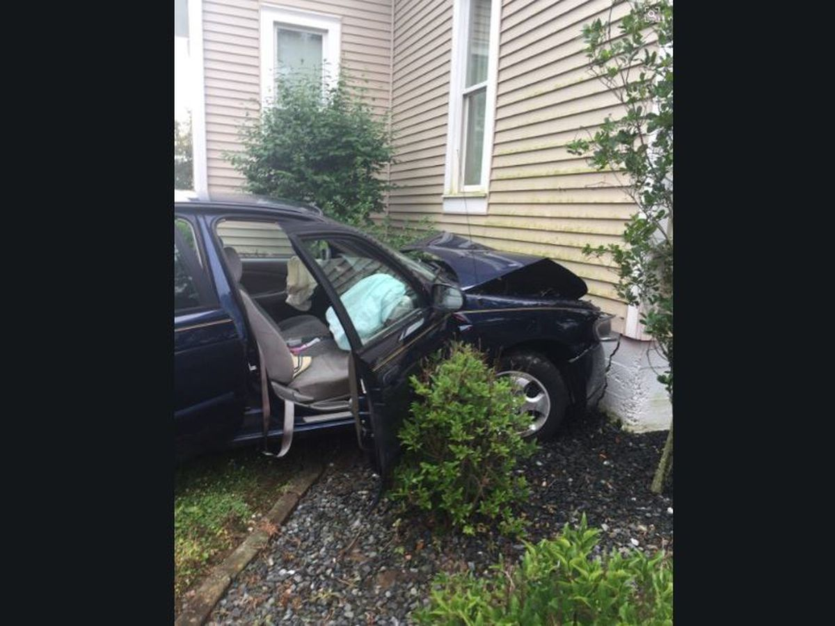 Traffic Alert: Part of Old Princeton Road closed after car hits house