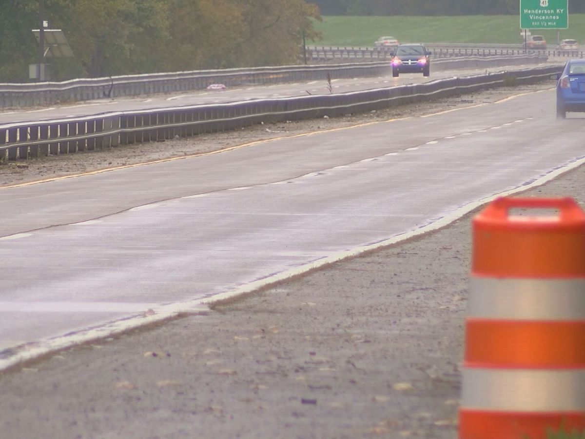 Lane restrictions expected during sewer work on Veterans Memorial Pkwy.