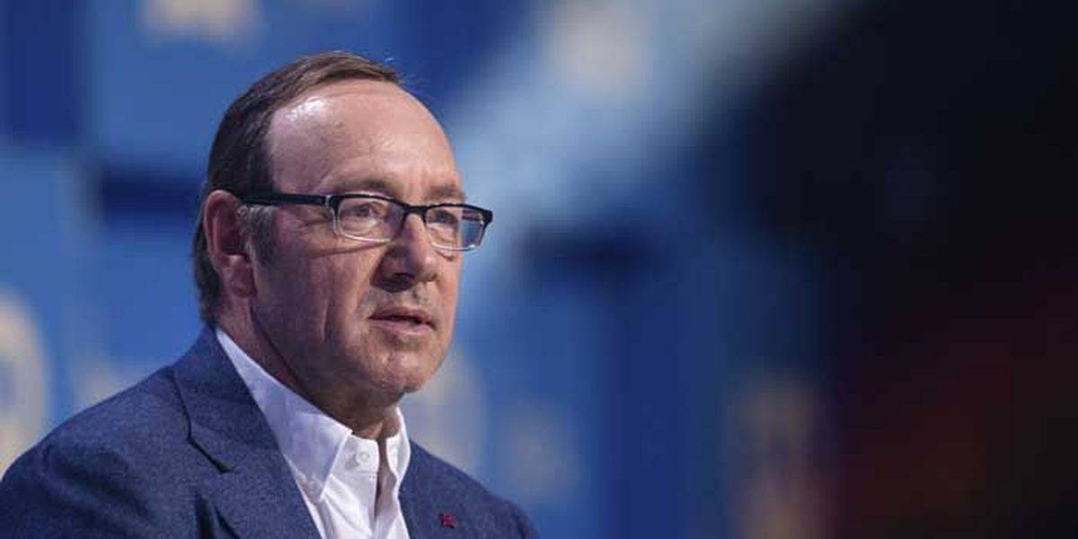 After story of past harassment, Spacey apologizes, comes out on Twitter