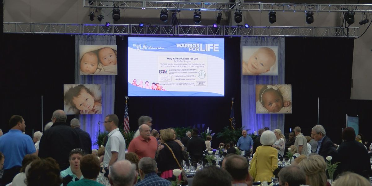 Right to Life banquet narrows in on fighting Roe v. Wade, Planned Parenthood's big budget