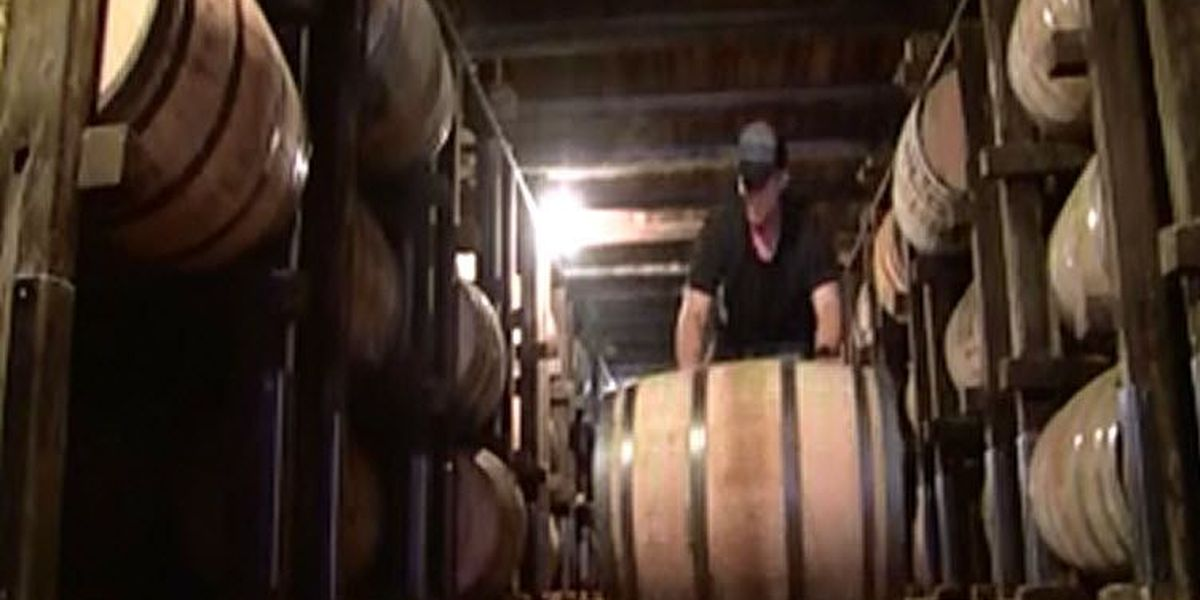 Bill would allow some distilleries to serve and sell more liquor