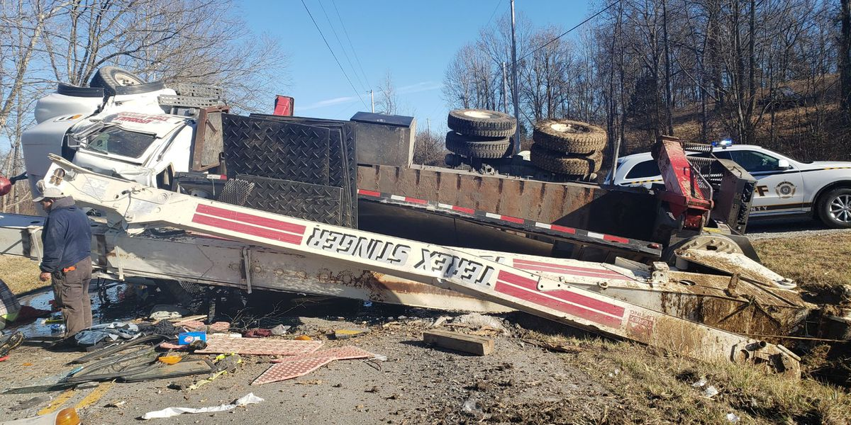 Sheriff: Hwy 54 closed at Ohio-Daviess Co. line for crane vehicle that flipped over