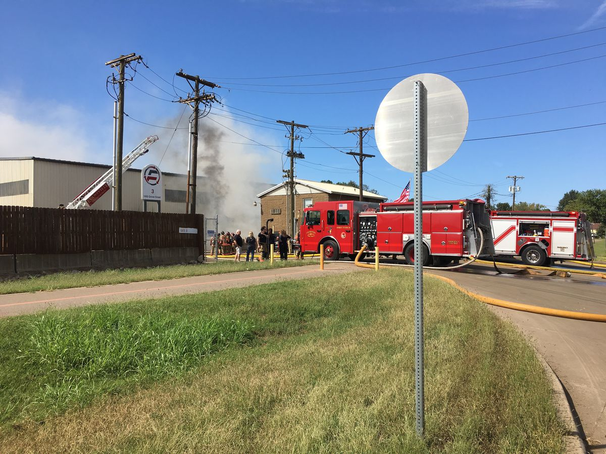 Evansville business fire causes black smoke that could be seen for miles