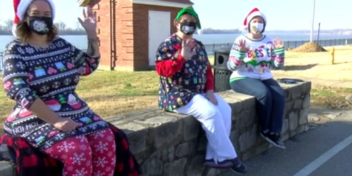 Jingle Belles bring random acts of kindness to strangers