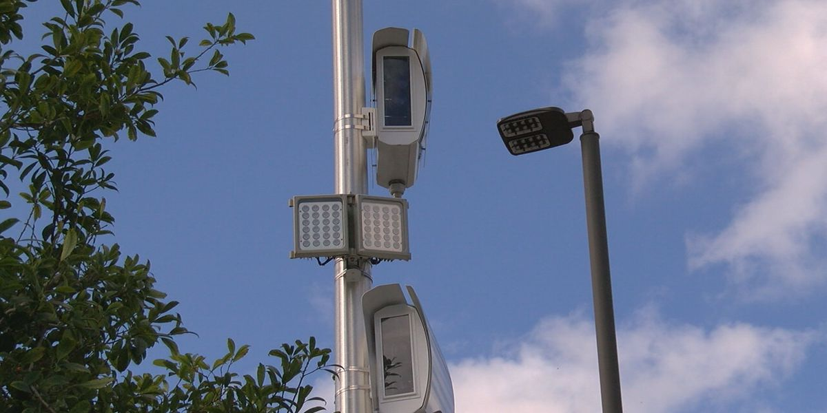 Illinois will stop collecting on unpaid red-light tickets