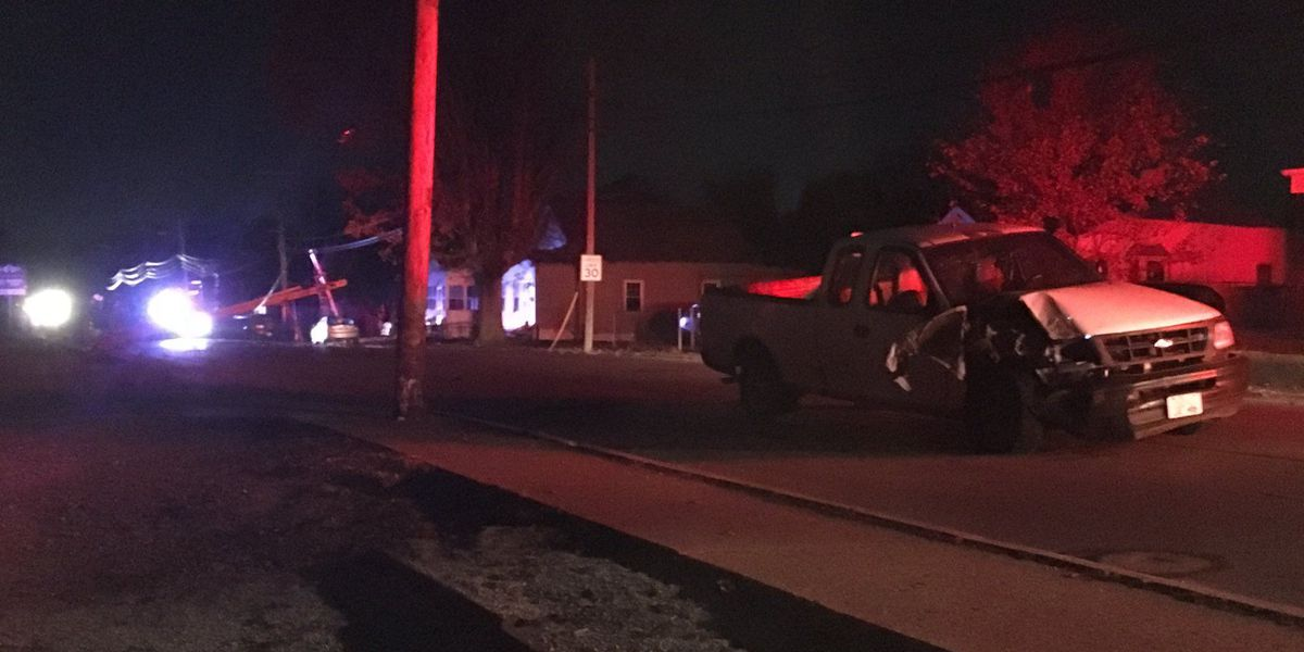 Crash causes power outage for nearly 2,000 Evansville west siders