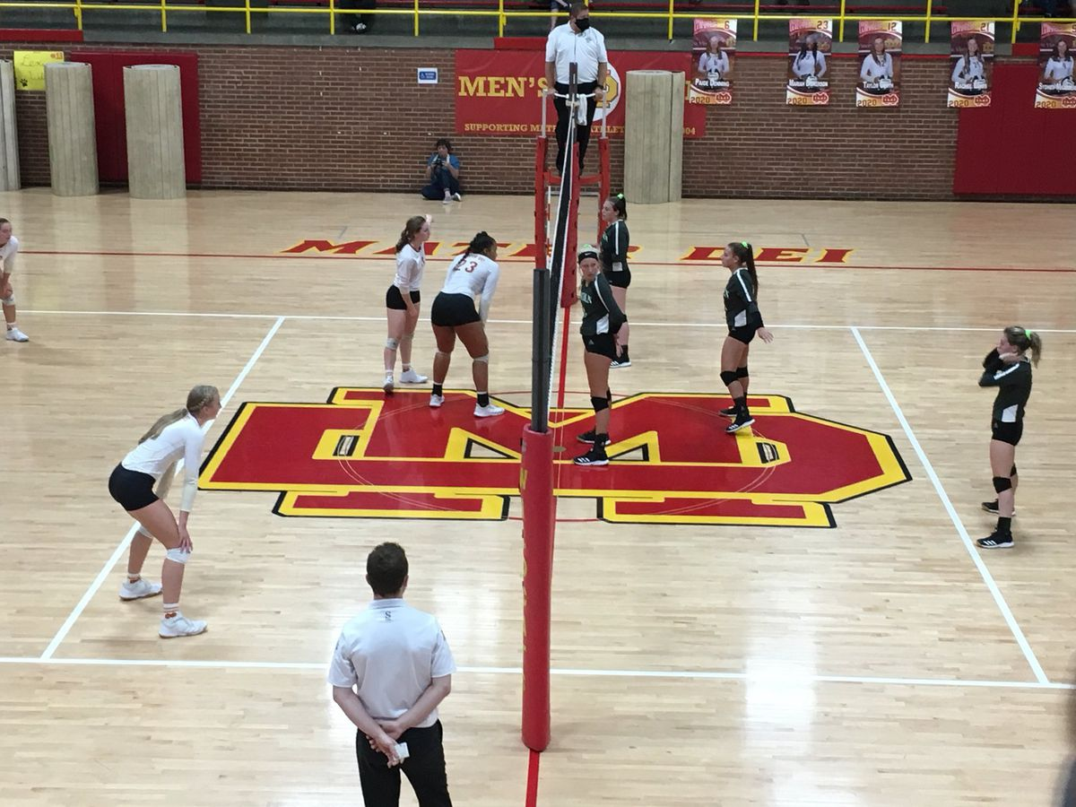 HS Volleyball: Vincennes Lincoln vs. Mater Dei highlights