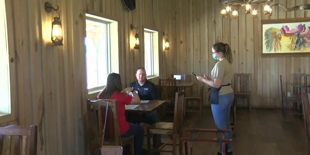 Illinois restaurants resume indoor dining