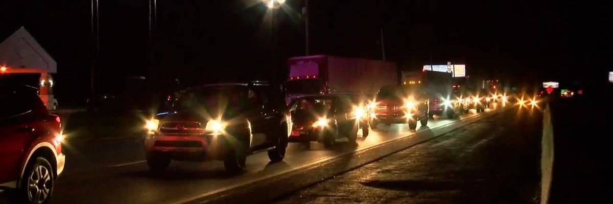 EPD: Box truck hits 5 vehicles on US 41, driver runs from scene