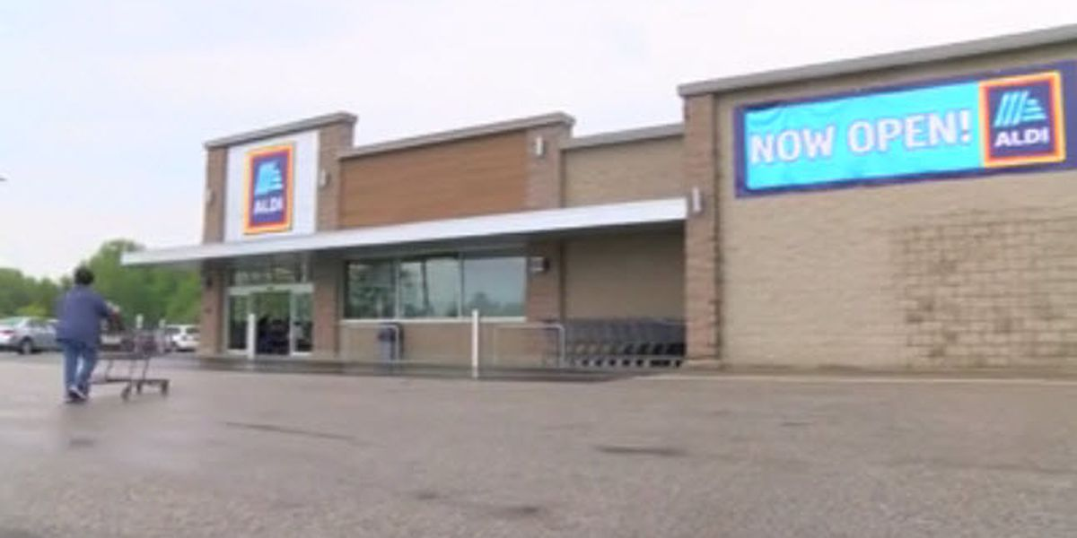 Aldi reopens after months long remodeling project