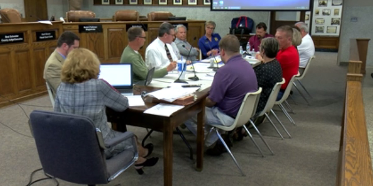 Henderson's Fiscal Court say they won't cut county workers' raises