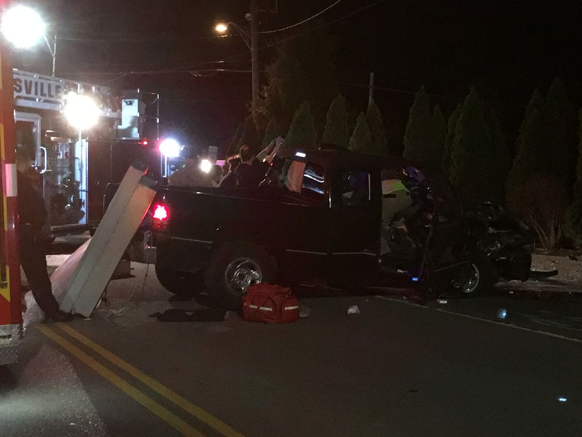 Truck runs into utility pole in Evansville Thurs. night