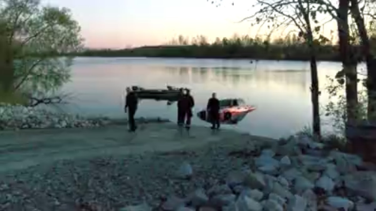 Boater accidentally backs truck into Warrick Co. lake