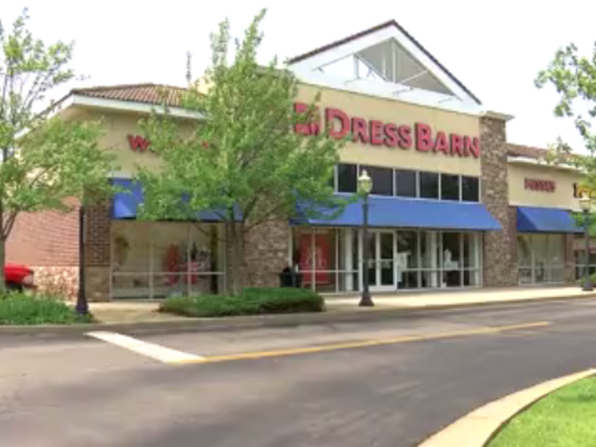 All Dressbarn stores to close