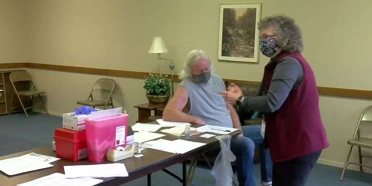 Warrick Co. Health Depart. holds vaccination clinic for senior apartment complex
