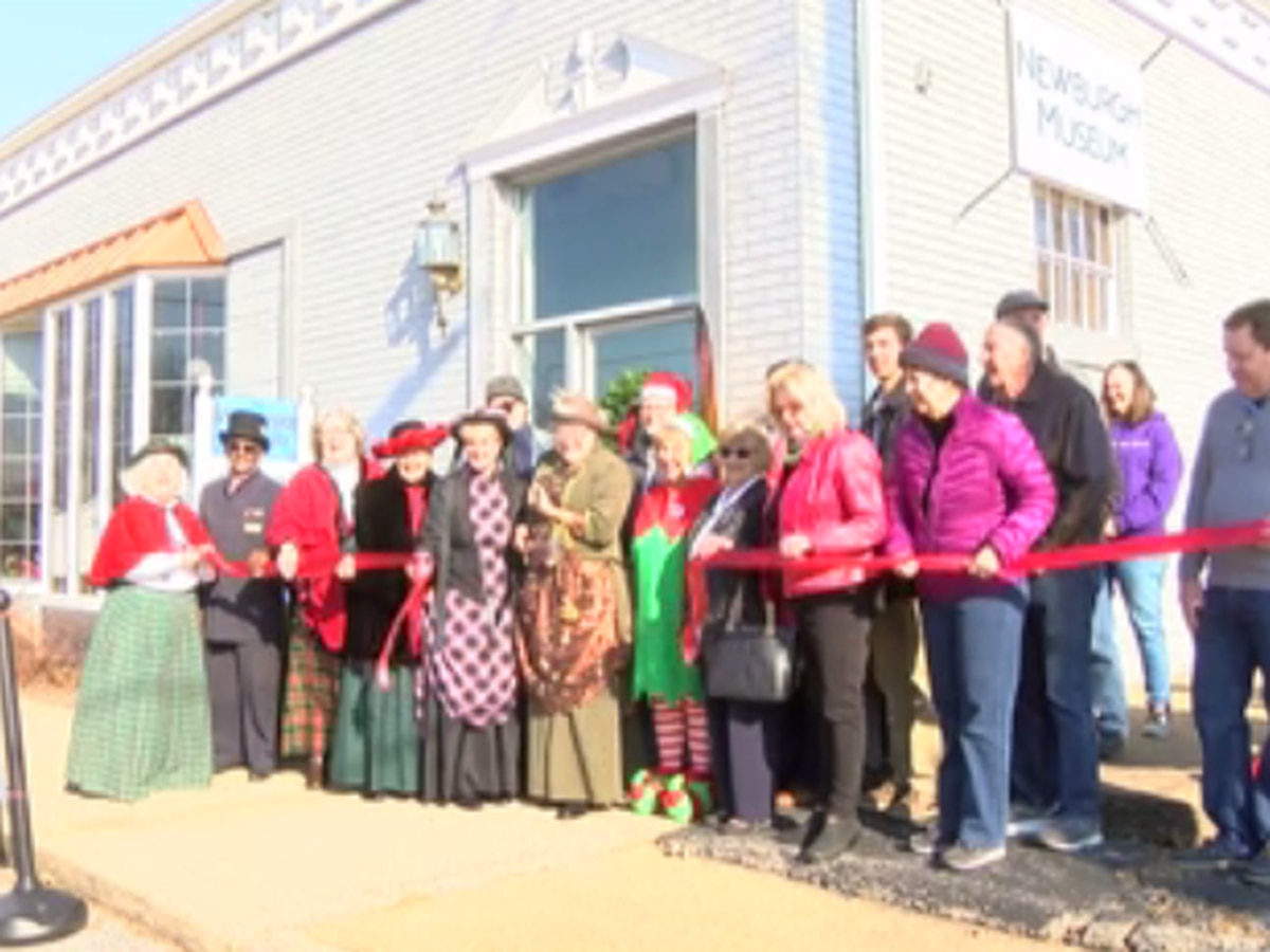 Ribbon-cutting held for Newburgh Museum's new location