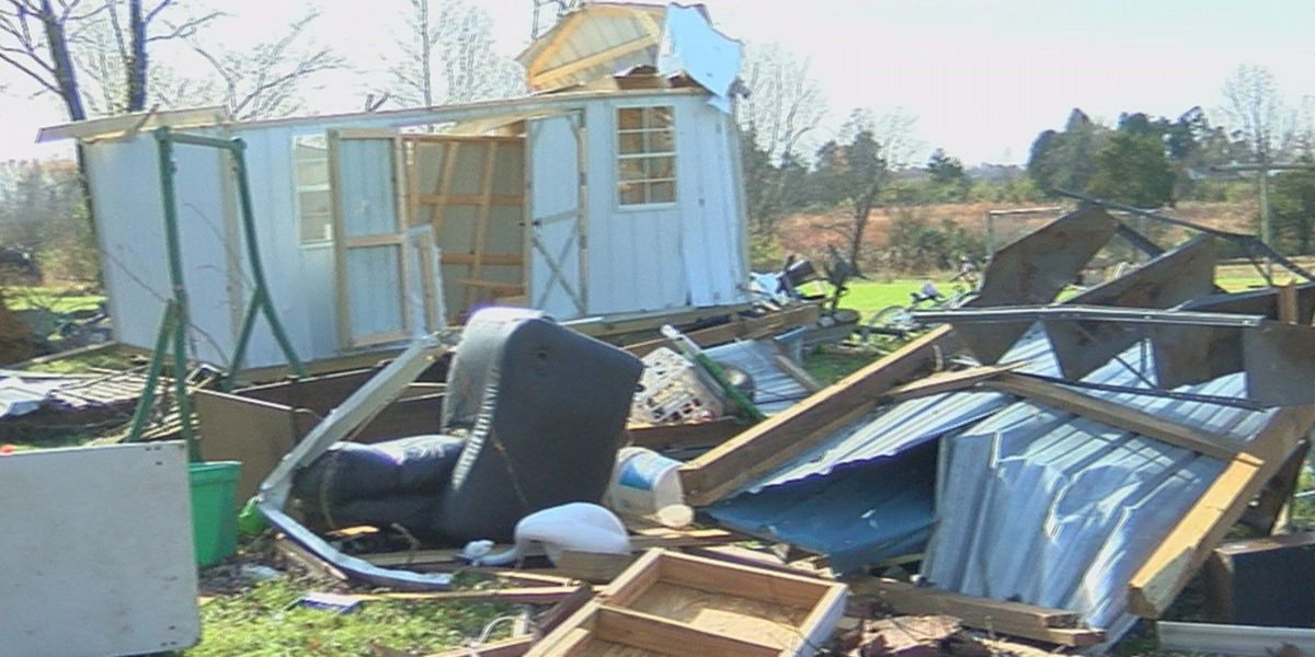 KY women caught outside during EF-1 tornado