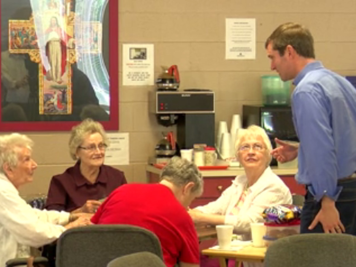 Andy Beshear stops by Henderson ahead of Tuesday's primary