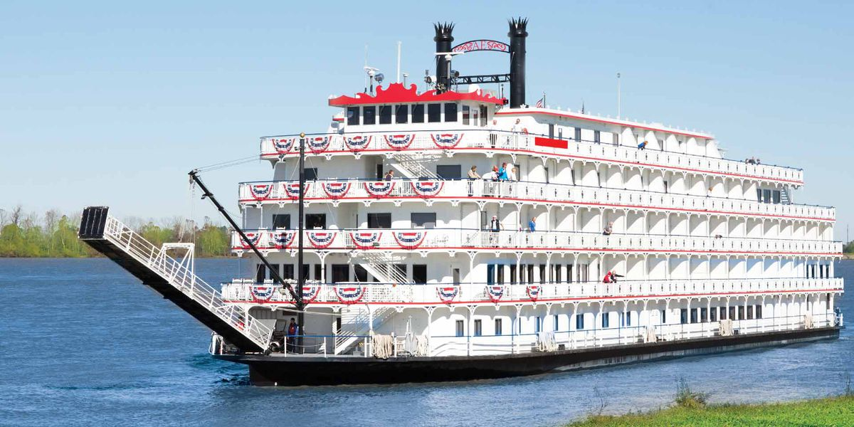 'America' riverboat stops by Henderson