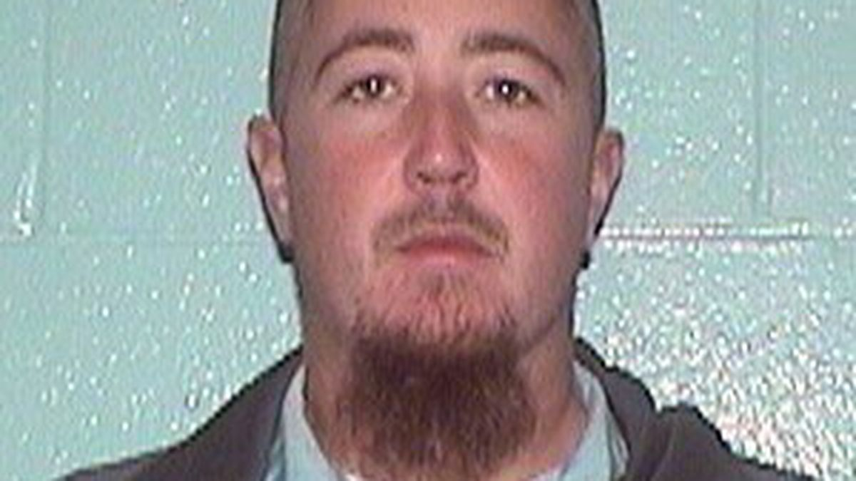 Law enforcement searching for escaped inmate in Wayne Co.