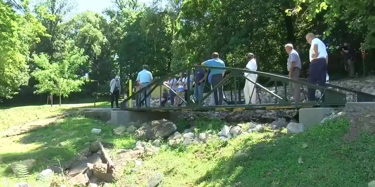 Henderson officials hold dedication ceremony for new footbridge in Atkinson Park