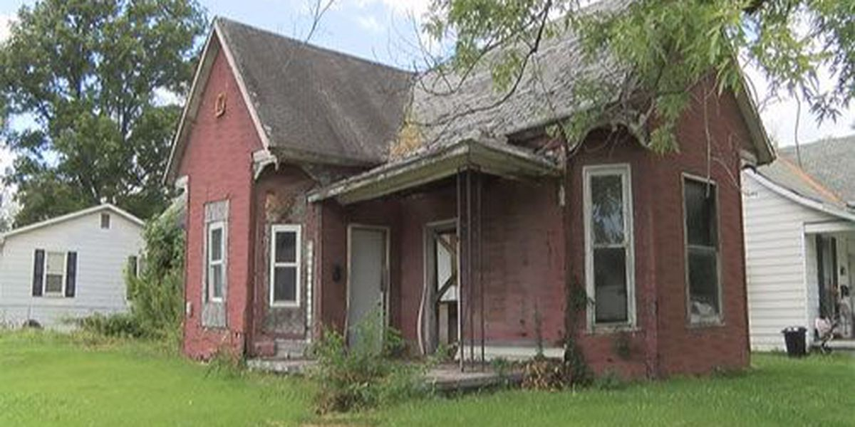 Crews prepare to demolish abandoned homes in Gibson Co.