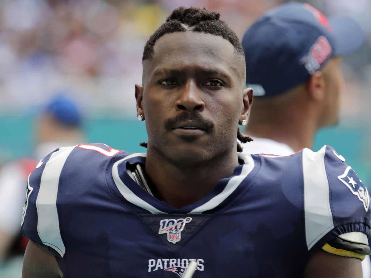 Arrest warrant issued for NFL wide receiver Antonio Brown