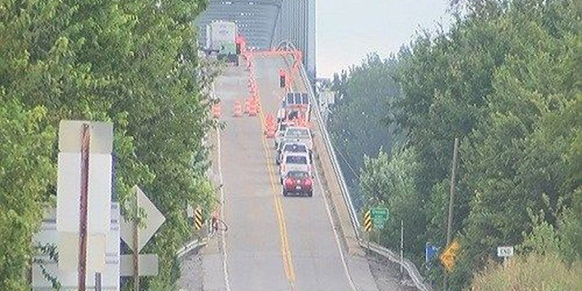 Residents fed up with erratic drivers on Shawneetown Bridge