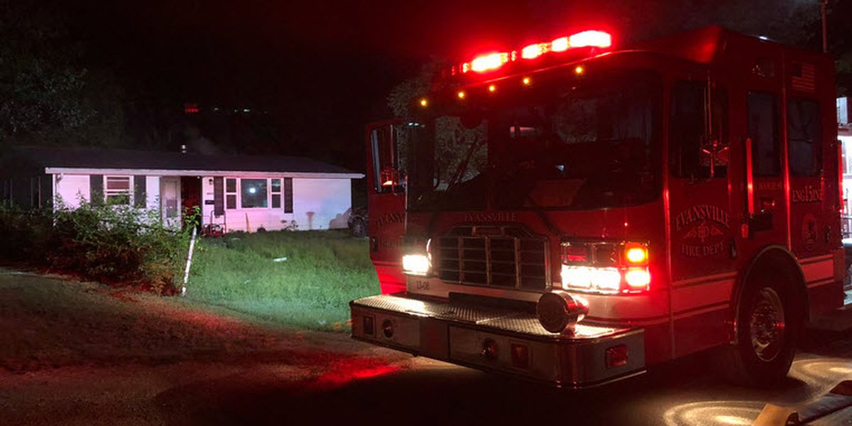 Evansville woman hurt in early morning fire