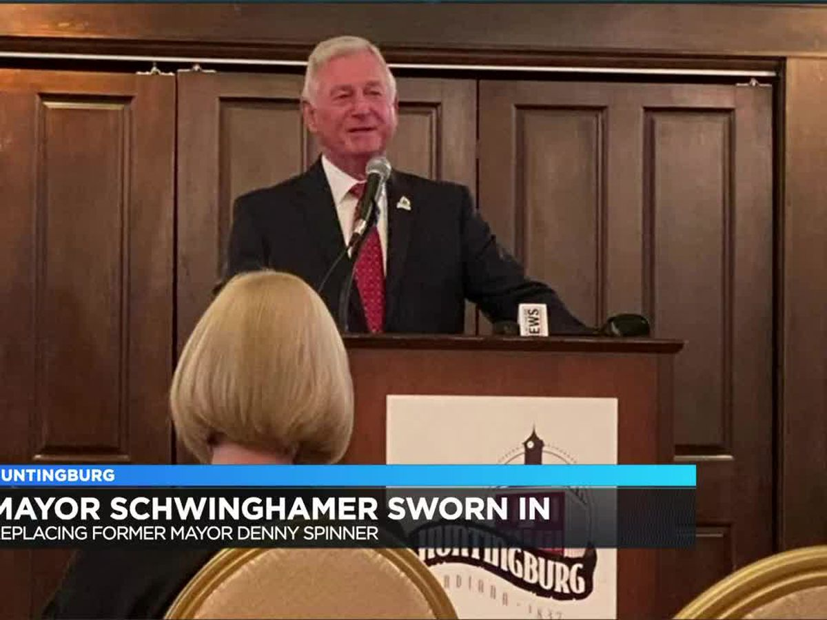 Schwinghamer sworn in as Huntingburg Mayor