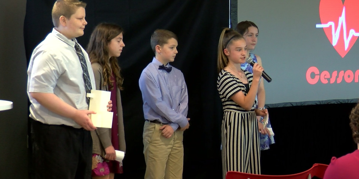 Students pitch product ideas to Berry