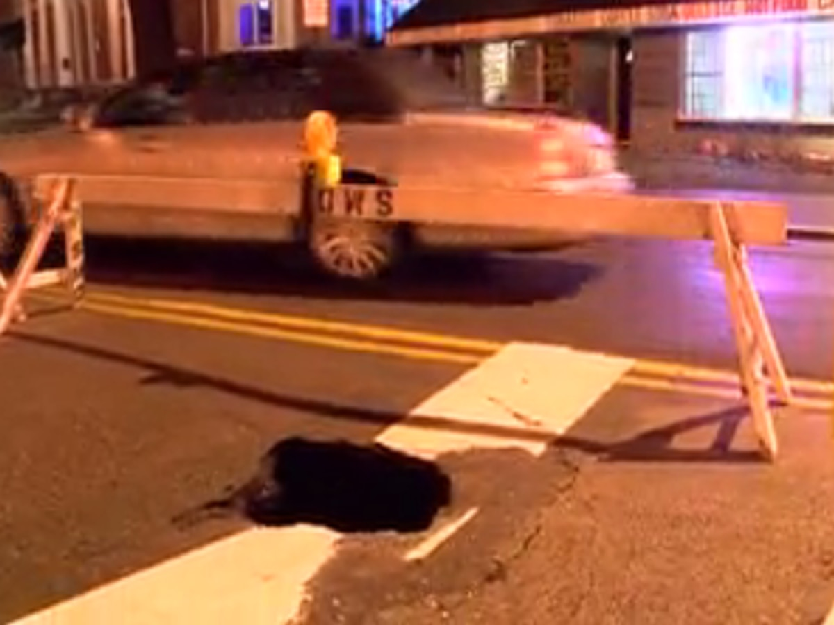 Sinkhole opens up in Haynie's Corner in Evansville