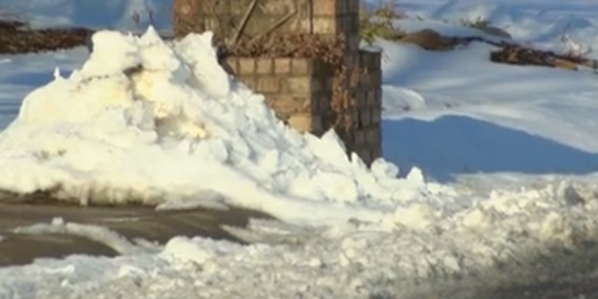 Some Tri-State neighborhoods still covered in snow, extending mail delays