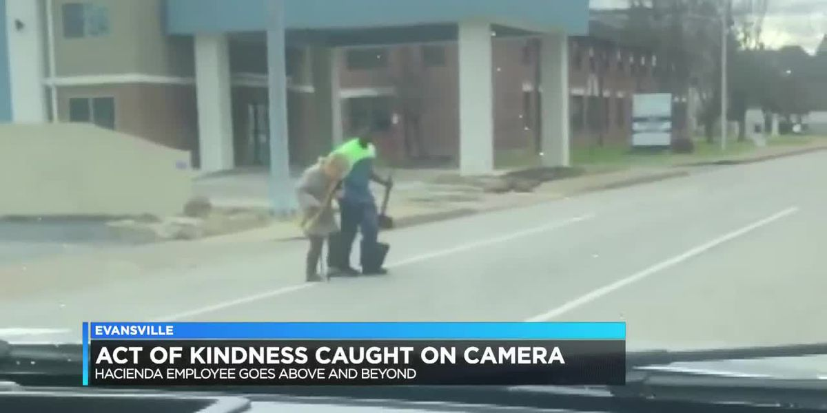 Hacienda employee's act of kindness caught on video