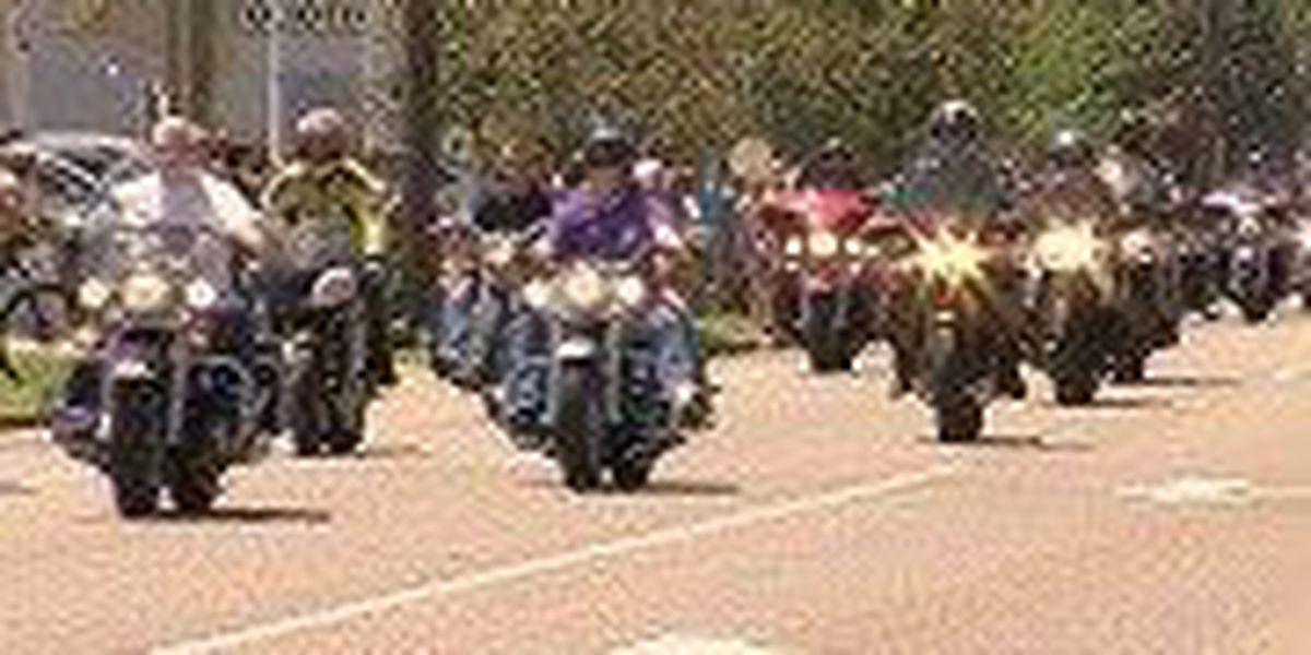 2,000 motorcycles lead Nicky Hayden funeral procession